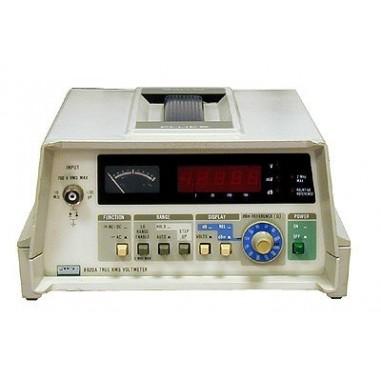 Fluke 8920A - voltmeter